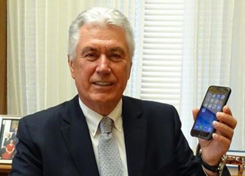 President Uchtdorf Compares Smartphone To Seer Stones
